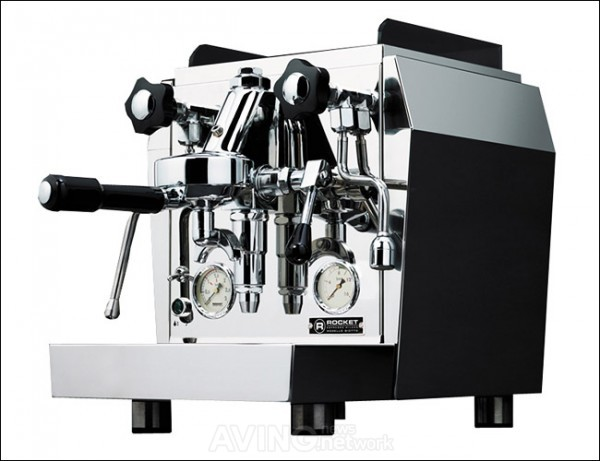 Rocket-Espresso-Giotto-Premium-Plus-V2-Gear-Patrol